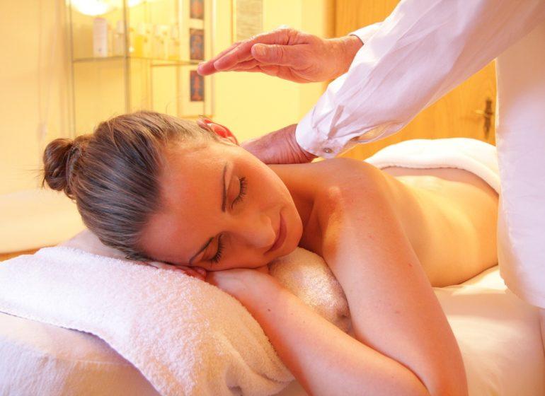 massage du dos-centre de massage-soin du corps massage