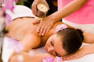 massage à la bougie - cire chaude relaxante -soin du corps massage